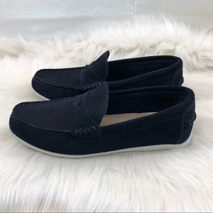 Simply Styled Navy Blue Leather Loafers